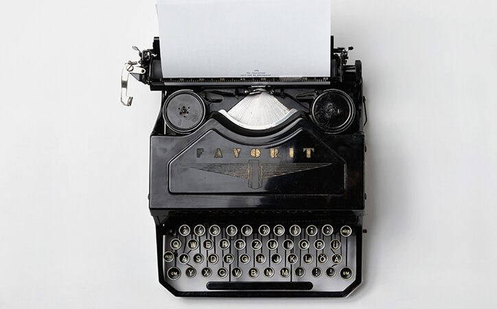 SALE: Vintage Typewriter Patriot R-14