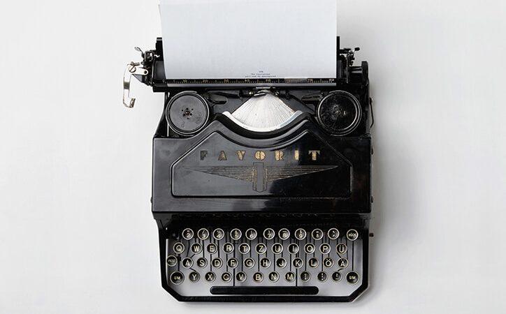 SALE: Vintage Typewriter Patriot R-14